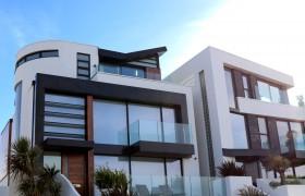 Modernus balkonas
